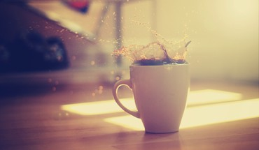Coffee cups macro splashes sunlight HD wallpaper