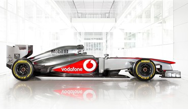Formula one mclaren racing cars mp4-28 vodafone mercedes HD wallpaper
