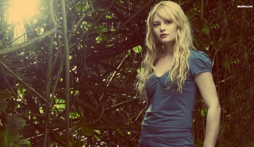 Blonde Frauen Modelle Emilie de Ravin  HD wallpaper