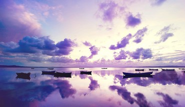 Purple reflexion HD wallpaper