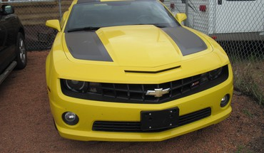 Chevrolet camaro on the raceway HD wallpaper