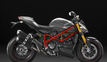 Ducati lenktynių Streetfighter  HD wallpaper