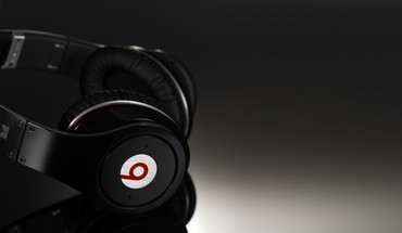 Beats by drdre headphones technology HD wallpaper