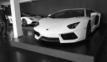 White italian lamborghini aventador garages roadster HD wallpaper
