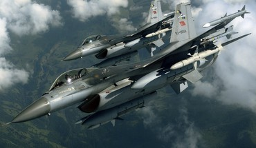 F-16 Fighting Falcon armée de l'air turque jet  HD wallpaper