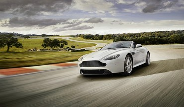 voitures les circuits de l'aston martin  HD wallpaper