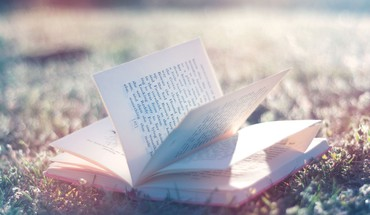 Books macro HD wallpaper