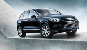 Static volkswagen touareg HD wallpaper