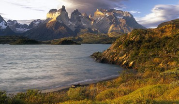 Chile paine mountains shore sunset HD wallpaper