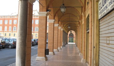 Bologna streets HD wallpaper