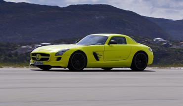 Side view sls amg mercedes-benz e-cell HD wallpaper