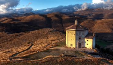 Italy roccacalascio abruzzi churches HD wallpaper