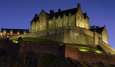 Edinburgh castle scotland at night HD wallpaper