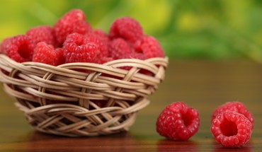Fruits food crop raspberries berry HD wallpaper