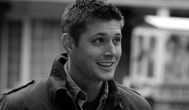 Supernatural grayscale jensen ackles dean winchester (tv series) HD wallpaper