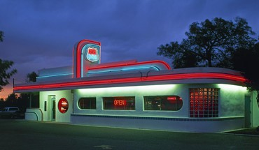 Diner on route 66 in california HD wallpaper