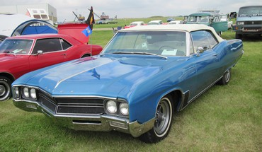 Buick at the car show HD wallpaper