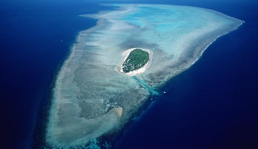 Australia great barrier reef heron island aerial HD wallpaper