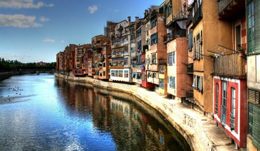 Girona houses rivers HD wallpaper