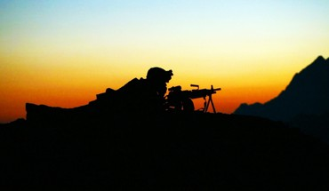 Silhouettes soldats  HD wallpaper