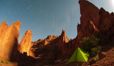 Nature stars desert outdoors tents skies time lapse HD wallpaper
