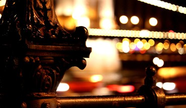 Night lights bokeh villes de garde-corps  HD wallpaper