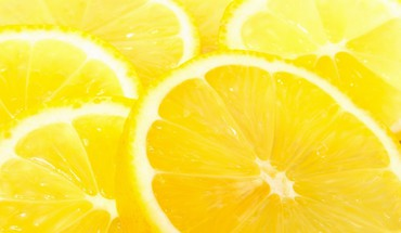 Lemons slices HD wallpaper