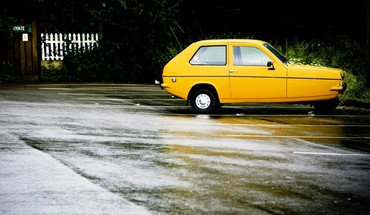 Cars vehicles reliant robin yellow HD wallpaper