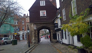 Jaspers gate at northgate rochester HD wallpaper