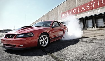 une Ford Mustang GT automobiles voitures courses  HD wallpaper