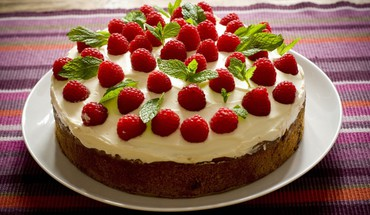 Cakes dessert food icing raspberries HD wallpaper