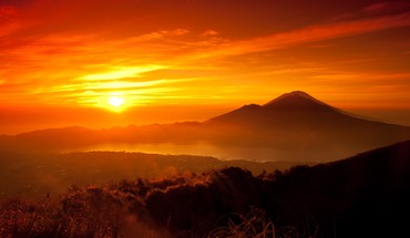 montagnes Sun pittoresque orange  HD wallpaper