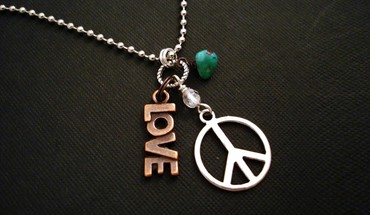 Love peace hippie necklaces sign HD wallpaper