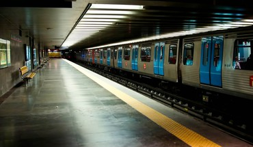 Station subway trains HD wallpaper