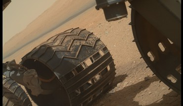 Solar system planets desert mars wheels curiosity HD wallpaper