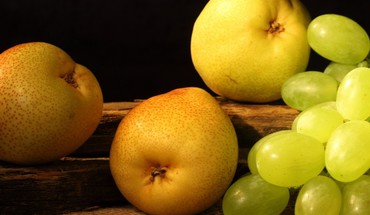 Grapes pears HD wallpaper