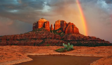 Rainbow next to cathedral rock HD wallpaper
