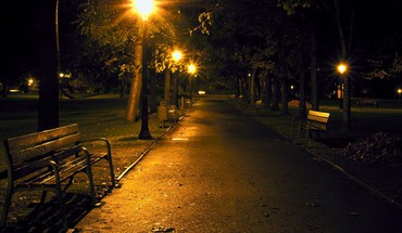Light night streets HD wallpaper
