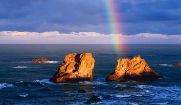 Ocean rocks and rainbow HD wallpaper
