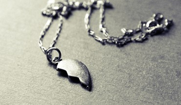 Love necklace HD wallpaper
