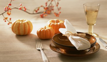 Autumn table decoration HD wallpaper