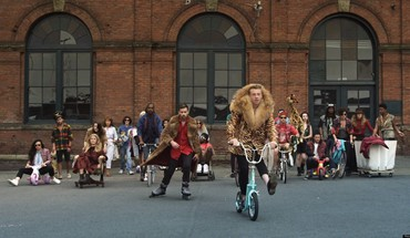 Video song macklemore ryan lewis thrift shop HD wallpaper