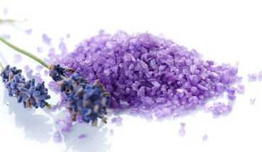 Bath salt and lavander HD wallpaper