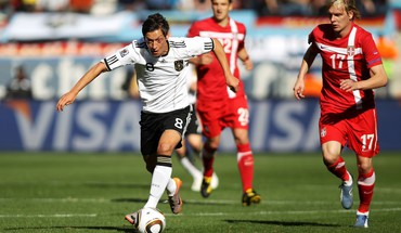 Sports football stars teams mesut HD wallpaper