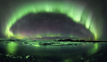 Aurora night sky green light HD wallpaper