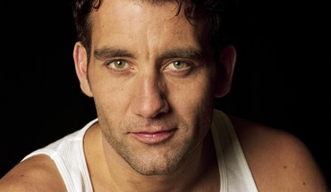 Clive owen actors black background men short hair HD wallpaper