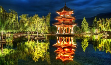 Beautiful chinese pavilion reflection HD wallpaper