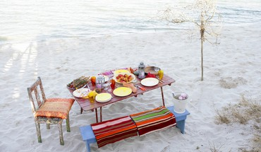 Beach breakfast HD wallpaper