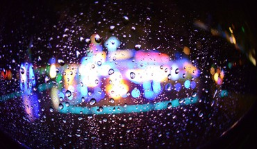 Urban water drops citylights HD wallpaper