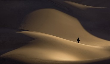 Desert sand dunes HD wallpaper